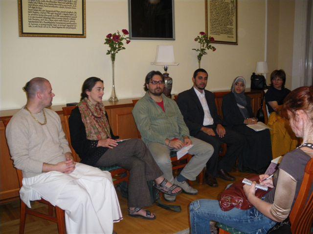 Vallásközi Párbeszéd Társasága a Bahá'í Központban (Budapest, 2009) © Vallásközi Párbeszéd Társasága