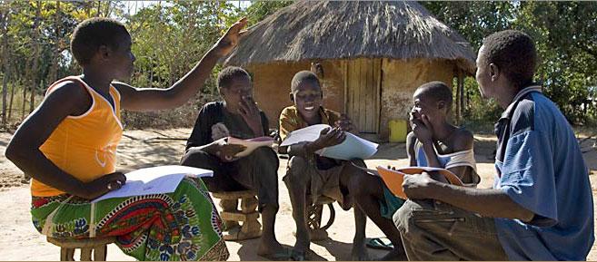 Bahá'í ifjúsági osztály Zambiában (c) Bahá'í Nemzetközi Közösség www.bahai.org